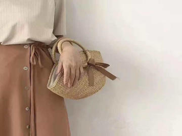 AUTUMN HANDBAGS AND STRAW BAGS WHOLESALE