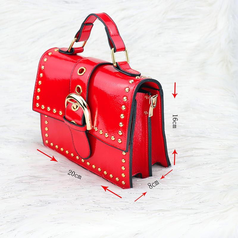 Canvas handbags vs Leather handbags