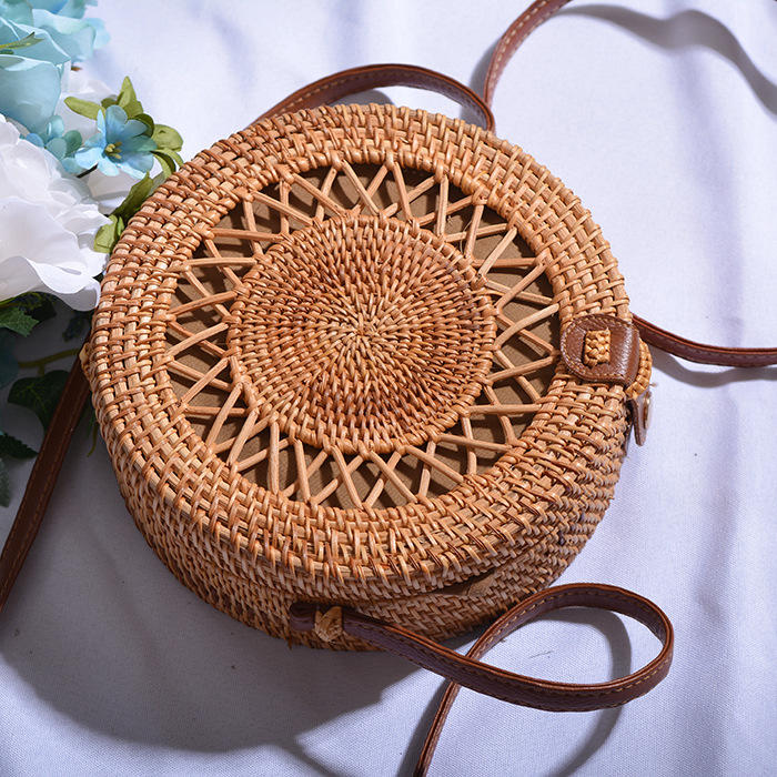 RKY0559 Angedanlia high quality women beach Vietnam rattan bag round bali woven with leather strap
